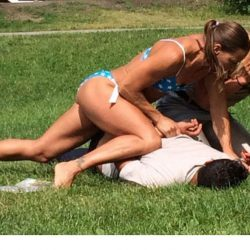 Swedish bikini police woman makes arrest